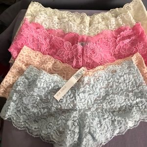 5 pairs of lace unders